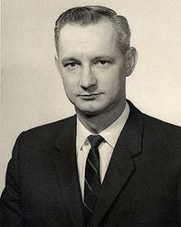 200px-donald_g__sanders_ca_1959