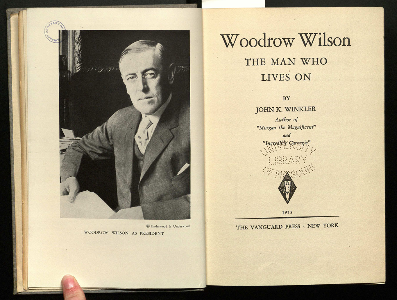 Woodrow Wilson : the man who lives on / by John K. Winkler.