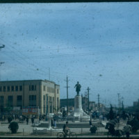 Hiller 09-005 : The statue of Sun Yat-sen in Nanking